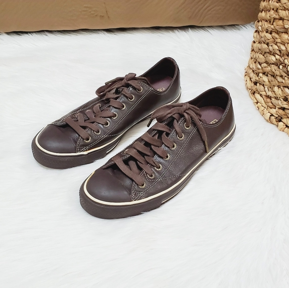 Converse men's brown leather sneakers